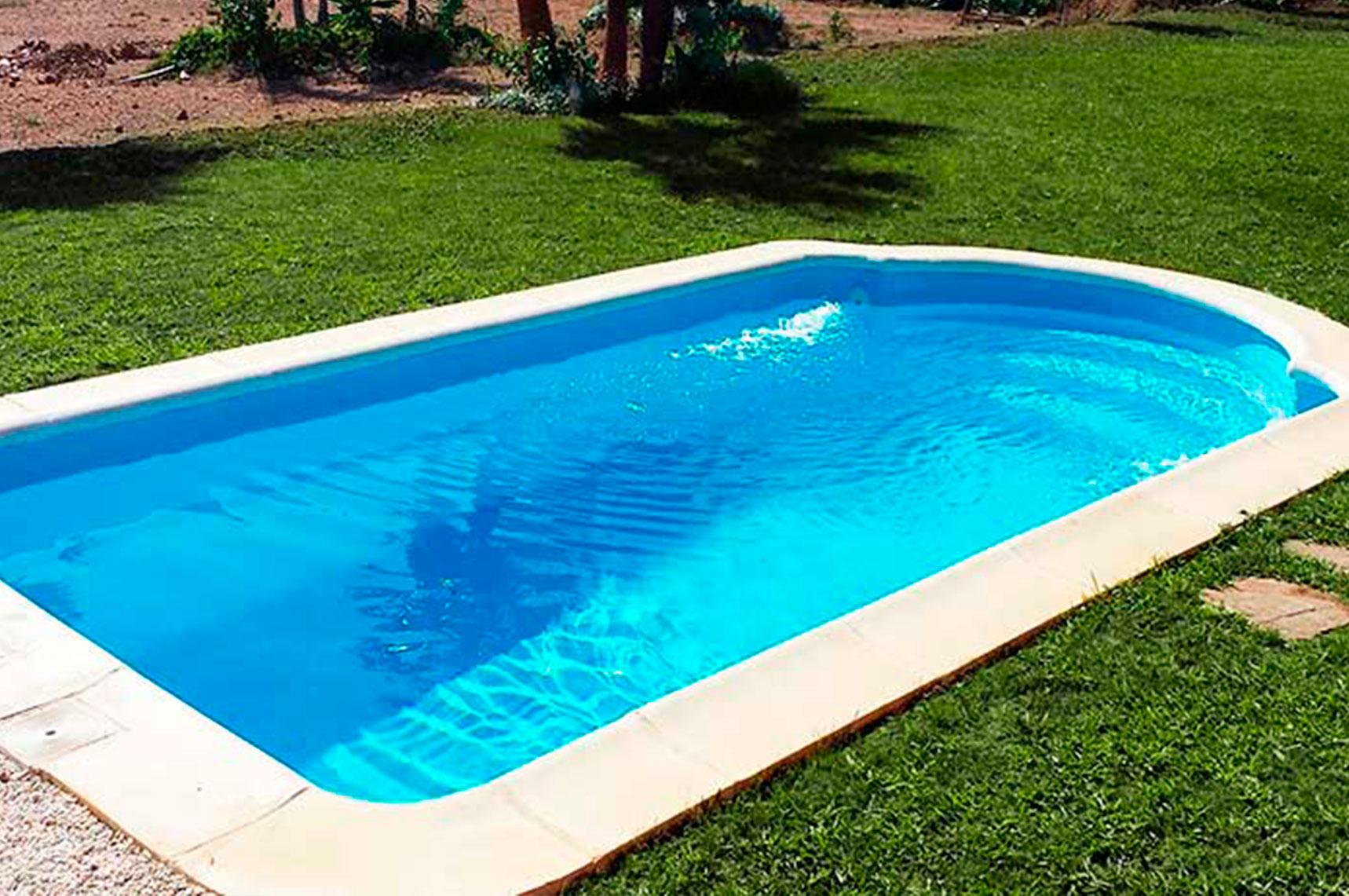¿Cuál es la piscina de poliéster adecuada para tu hogar?