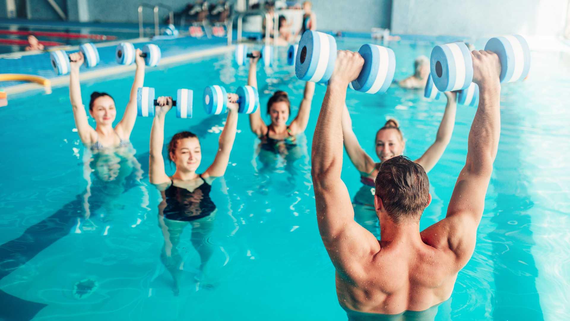El aquafit, una de las ventajas de tener una piscina en casa