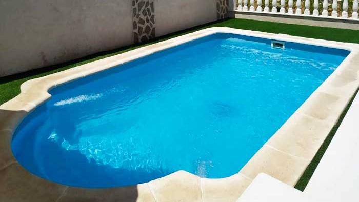 ¿Por qué elegir una piscina prefabricada de poliéster?